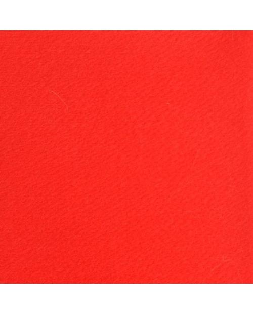 Filcas raudona